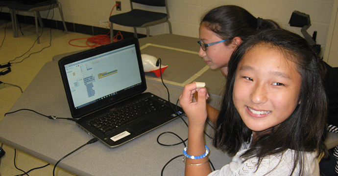 NAA student programming with Scratch